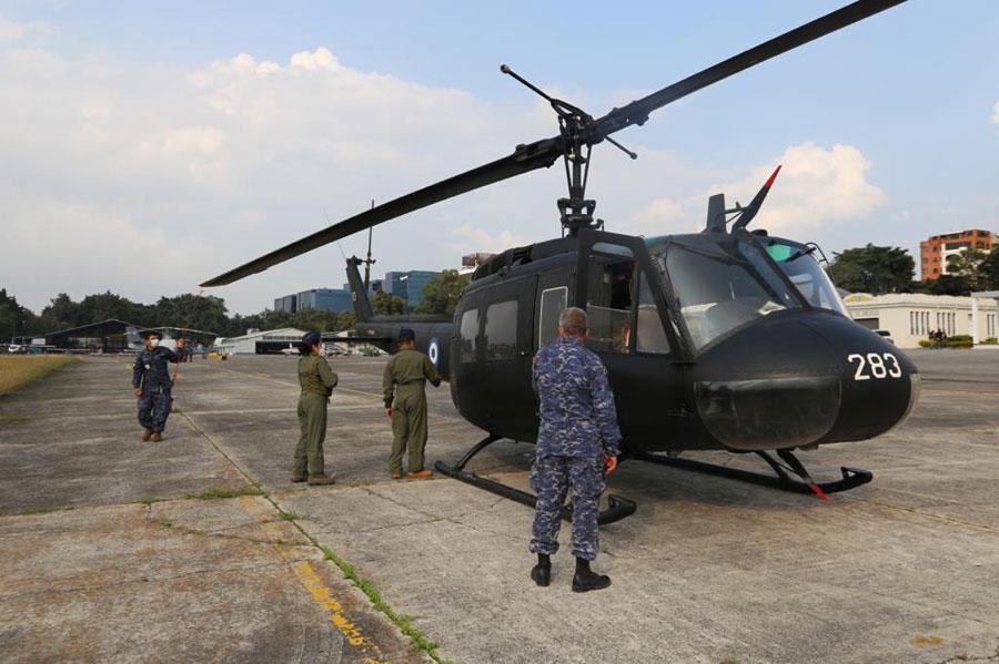 Helicópteros salvadoreños llegan al país
