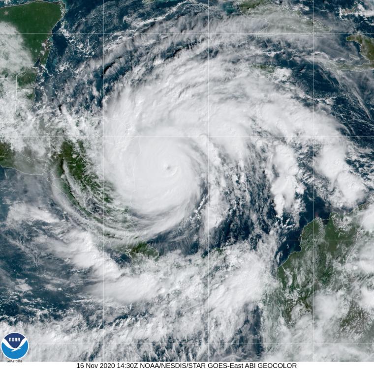 Iota se convierte en huracán de categoría 5