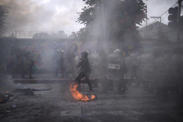 manifestación frente al Congreso por presupuesto 2021