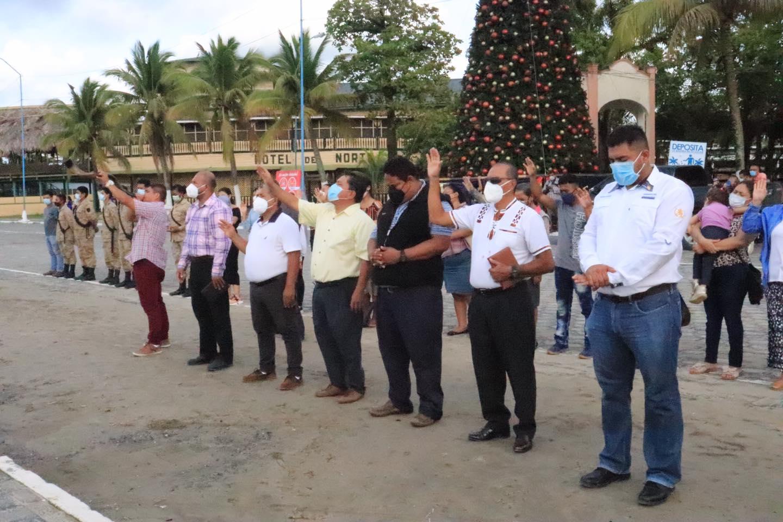 Pastores oran en Puerto Barrios