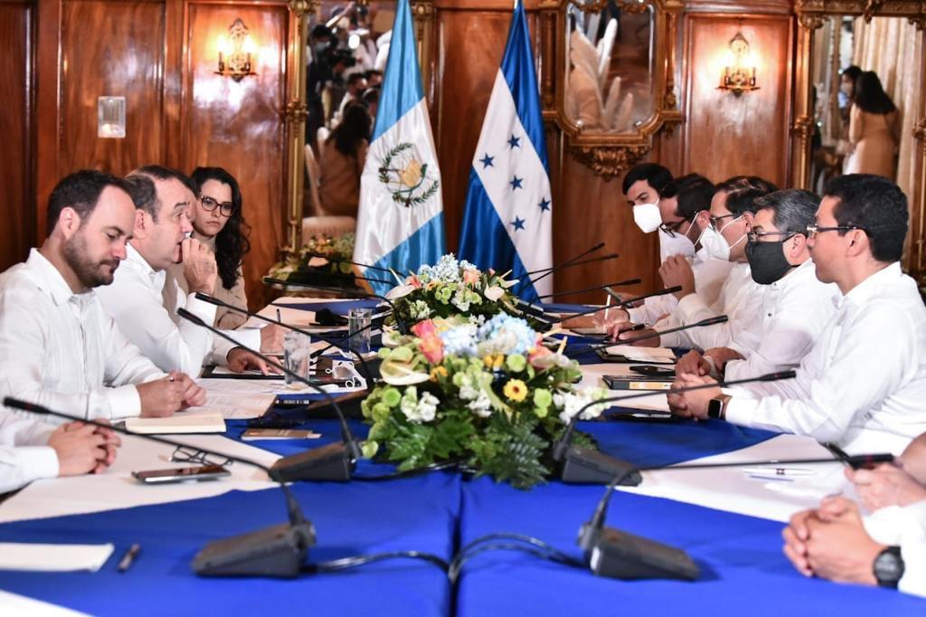 reunión entre presidentes de Guatemala y Honduras