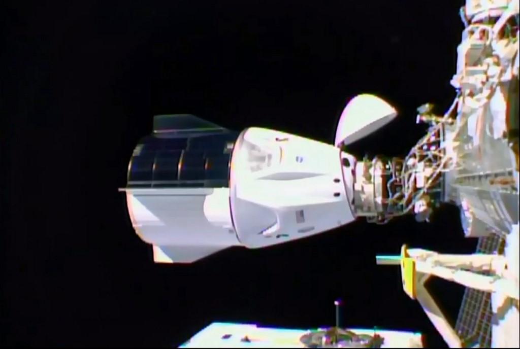 Vuelo de SpaceX se acopla a la EEI