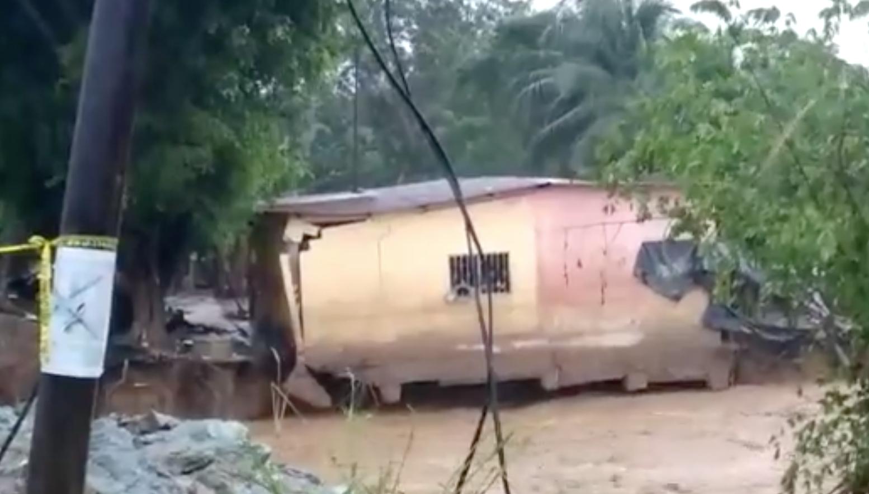 colapso de vivienda en Izabal