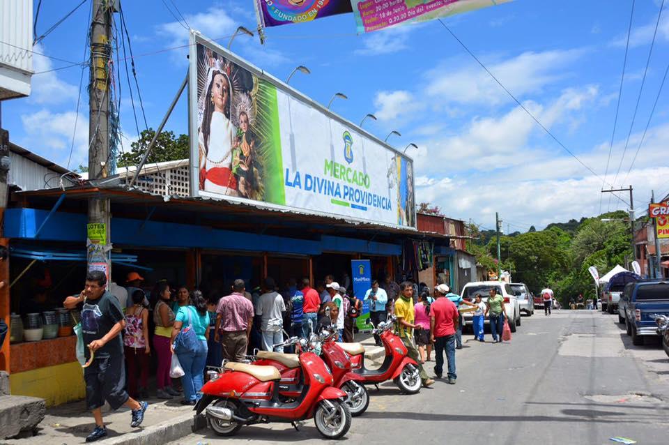 Mercados de Mixco cerrarán a las 17 horas.