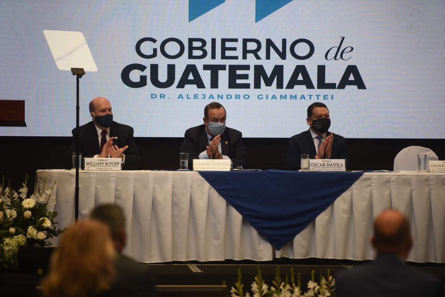El presidente, Alejandro Giammattei, y autoridades guatemaltecas conmemoran el Día Internacional contra la Corrupción. También participó William W. Popp, embajador de Estados Unidos.