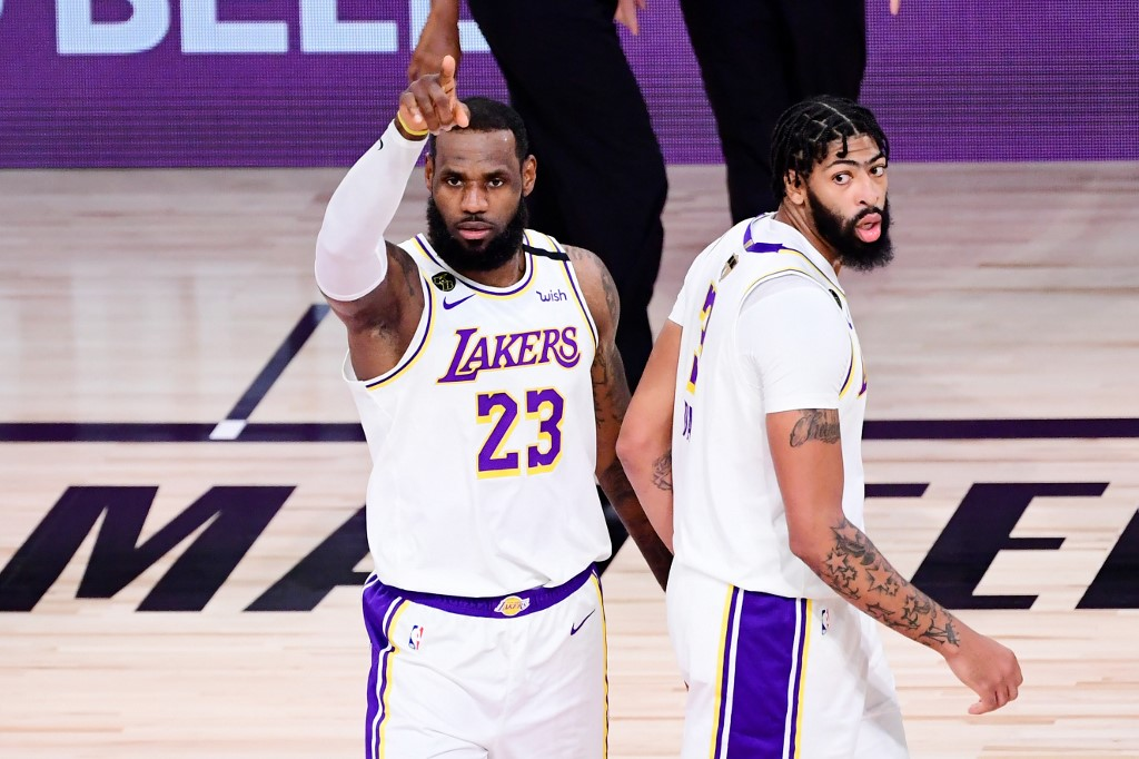 LeBron James continuará con los Lakers