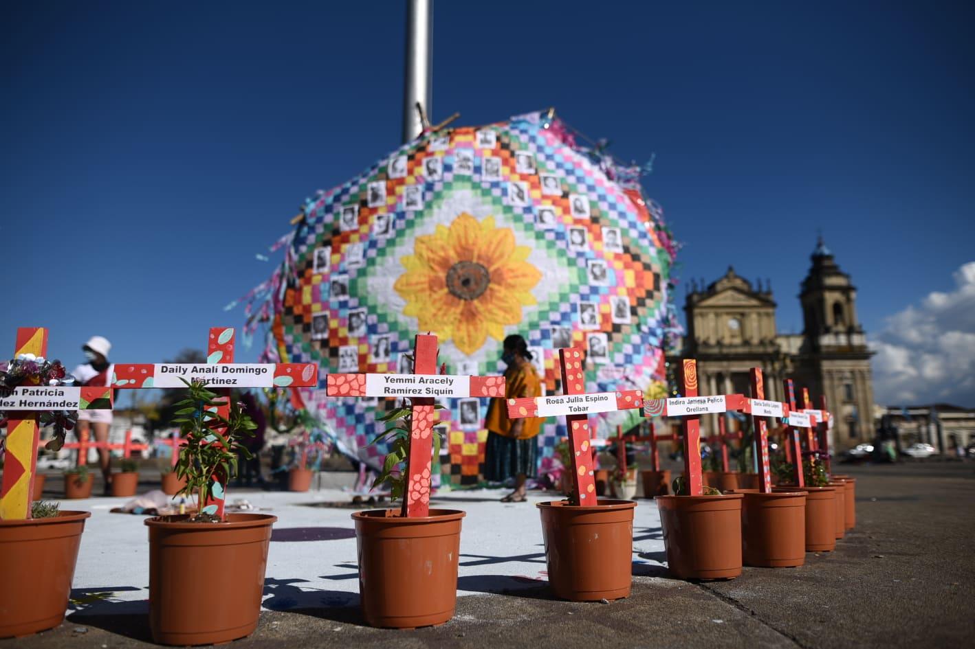 reconstruyen altar de víctimas del Hogar Seguro en Virgen de la Asunción