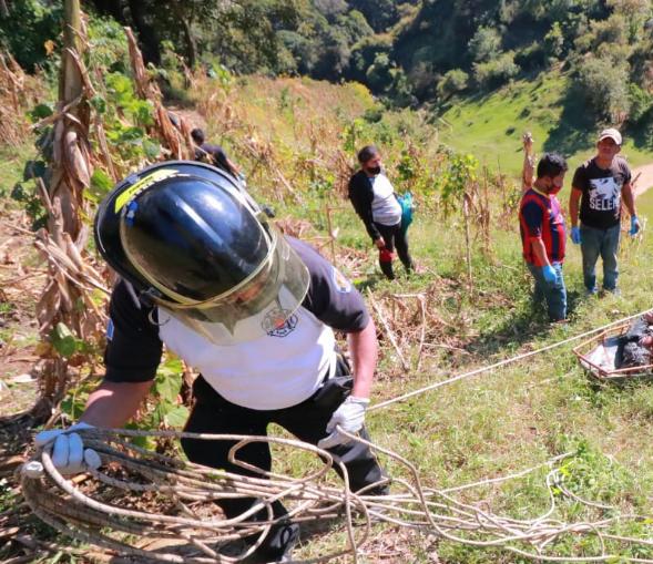 cadáver de mujer en zona 2 de Mixco