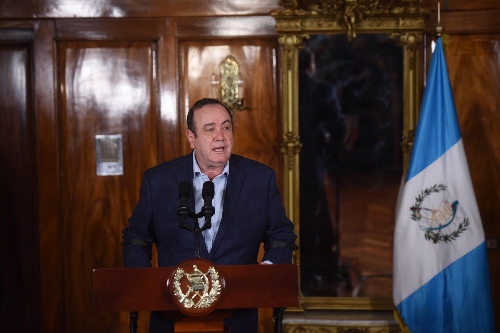 conferencia del presidente Alejandro Giammattei y vicepresidente Guillermo Castillo