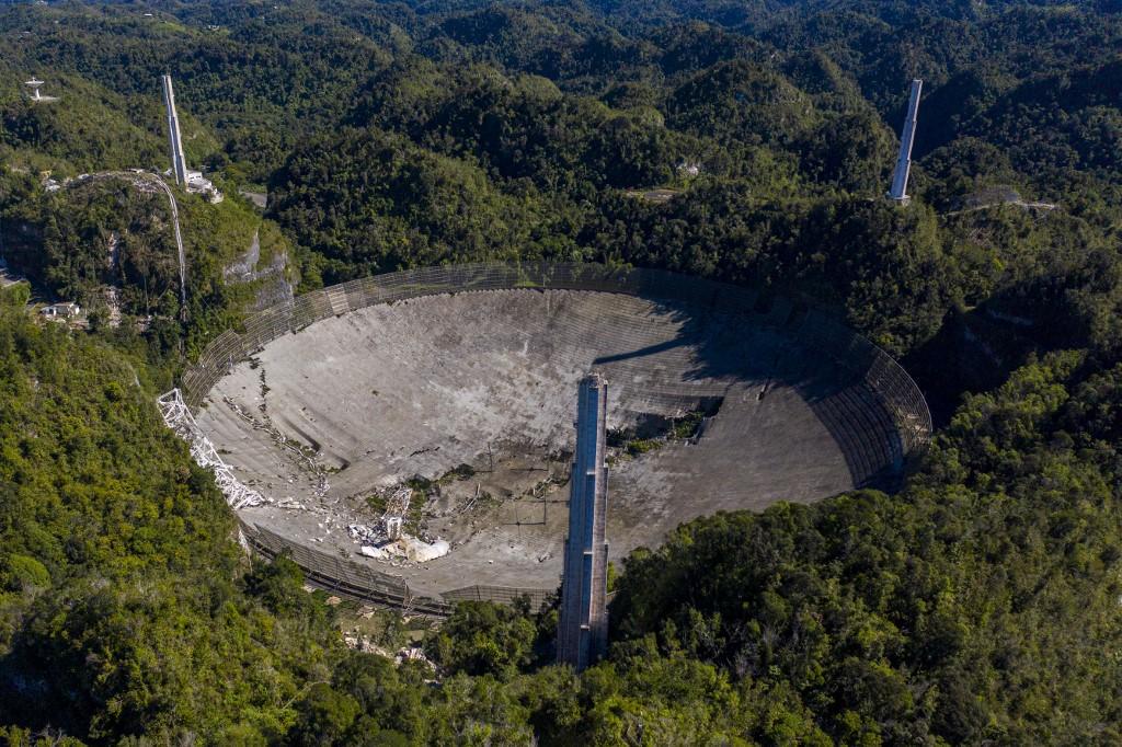 Colapsó el telescopio de Arecibo, en Puerto Rico
