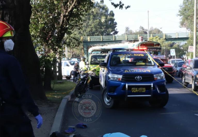 hombre muere tras caer de bus en zona 3