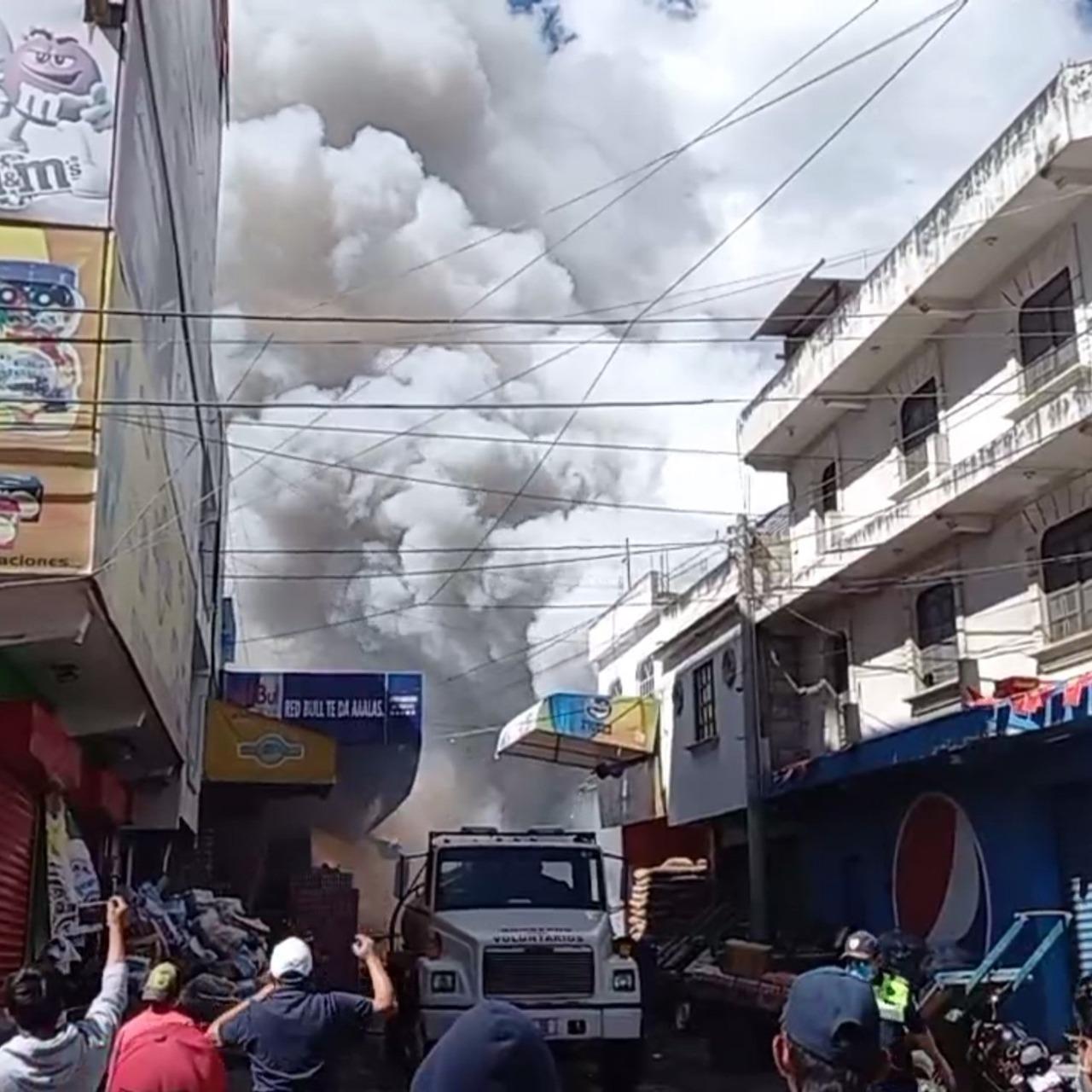 Incendio en bodega de fuegos artificiales en Quetzaltenango.