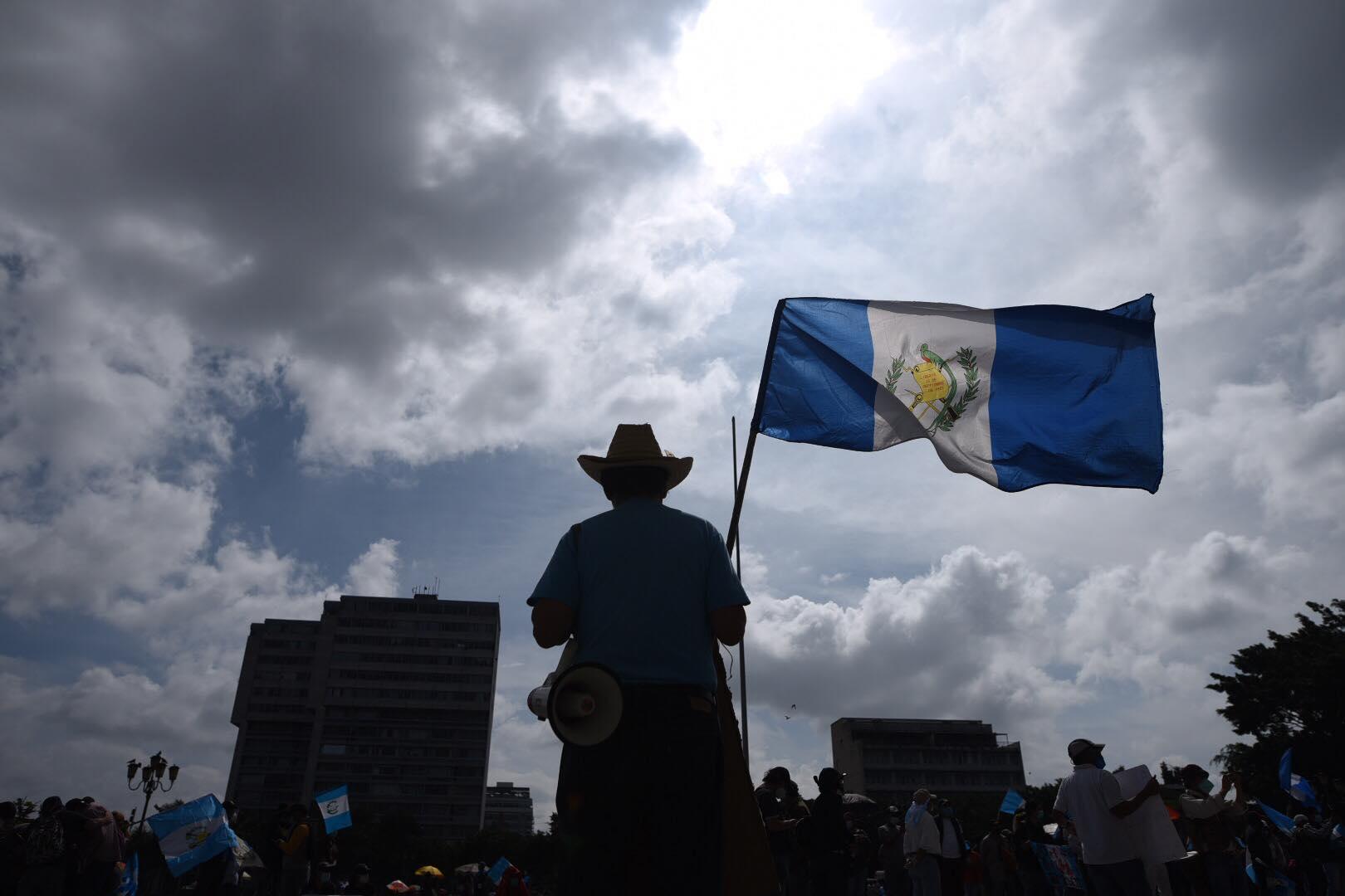 manifestación en plaza de la Constitución, 5 de diciembre