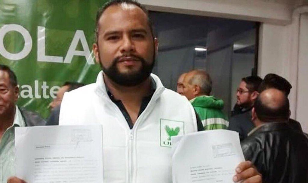 Pedro Alfonso Sifontes compitió por una diputación por el partido político Unidad Nacional de la Esperanza (UNE).