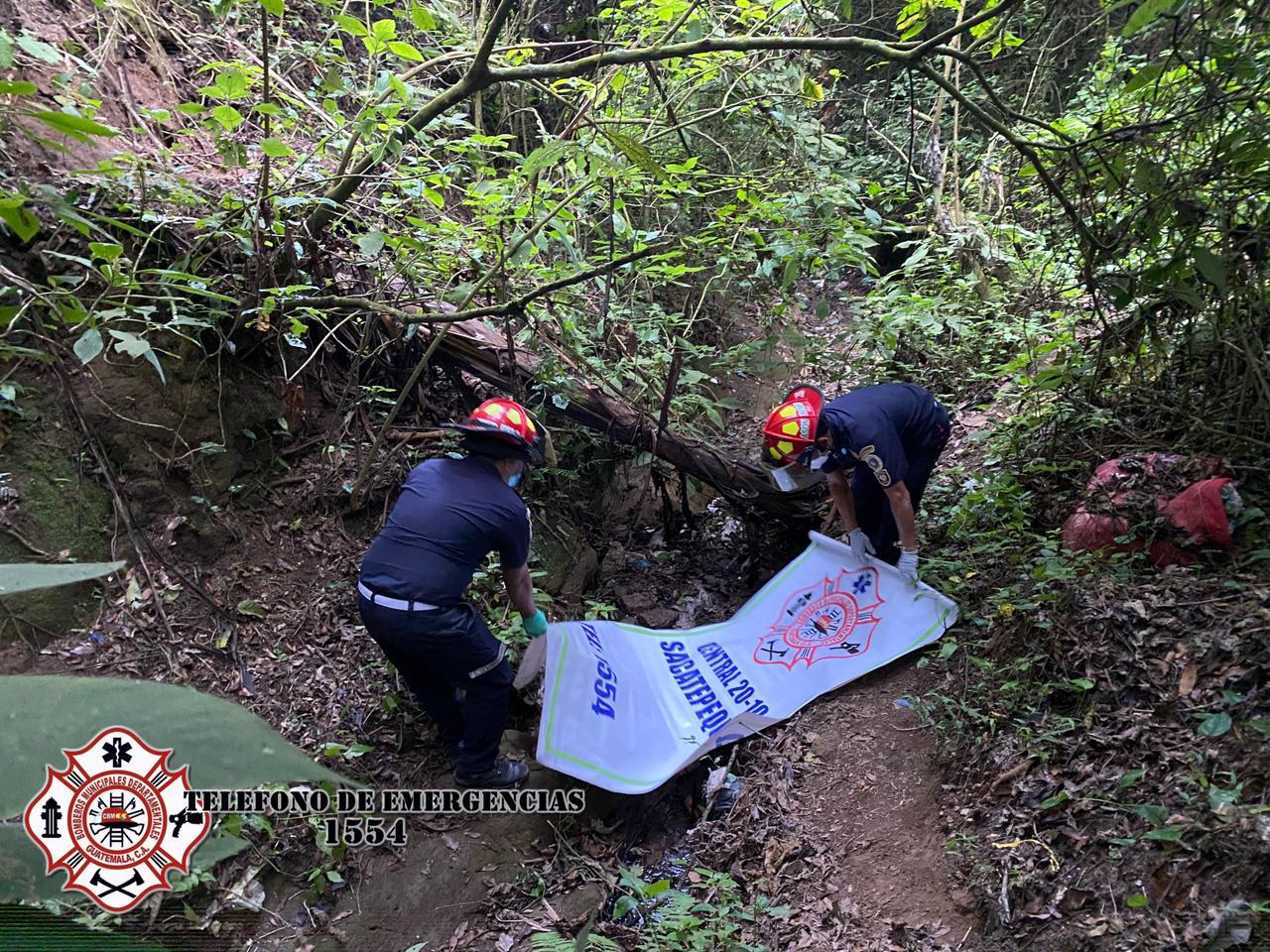 Cadáver de una mujer es rescatado por Bomberos Municipales Departamentales
