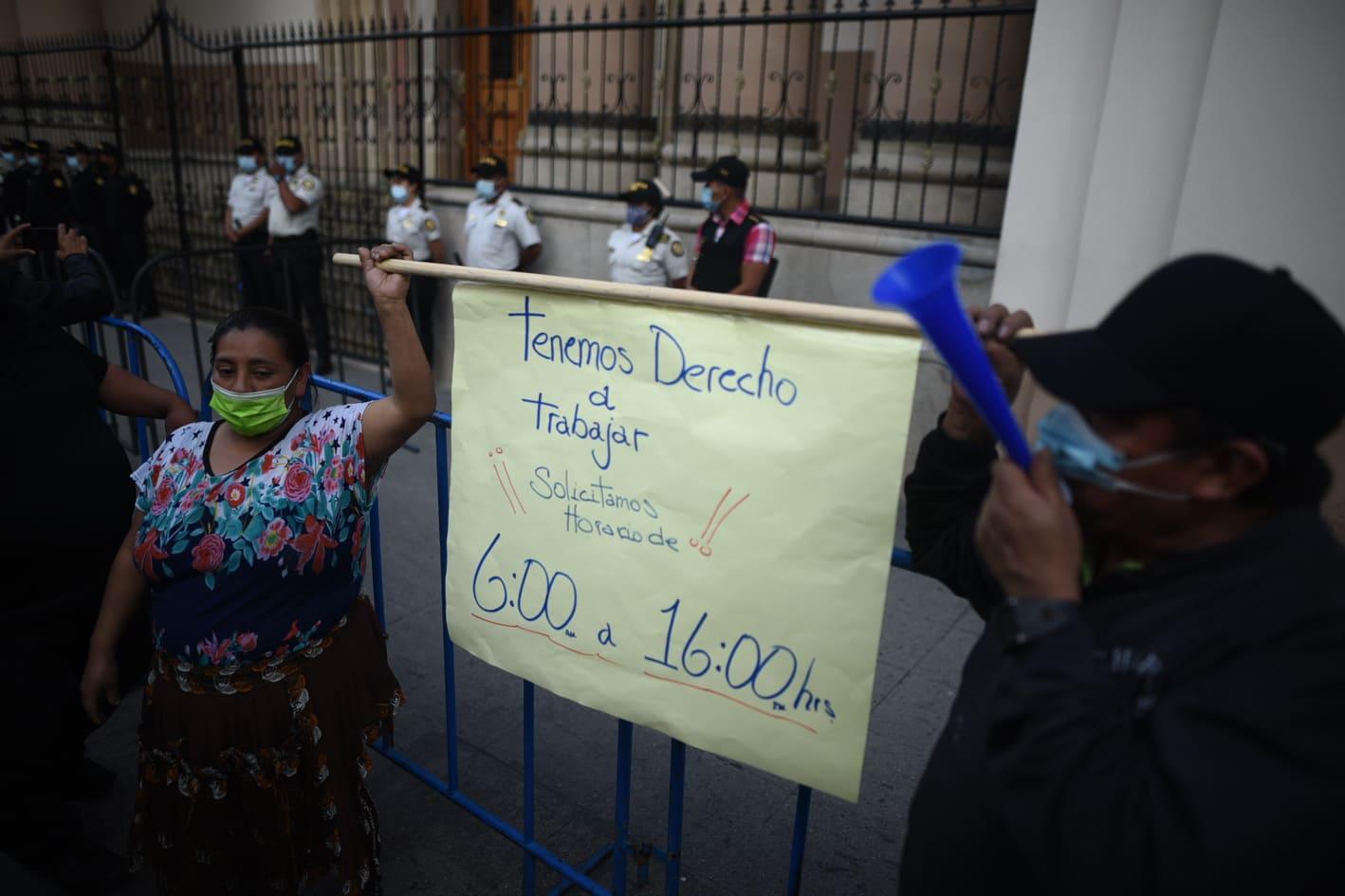 manifestación de vendedores de mercados por reducción de horario