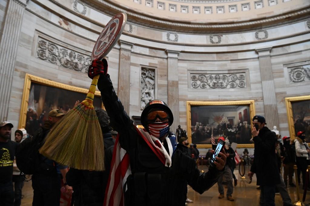 Manifestantes irrumpen en el Capitolio, en Washington