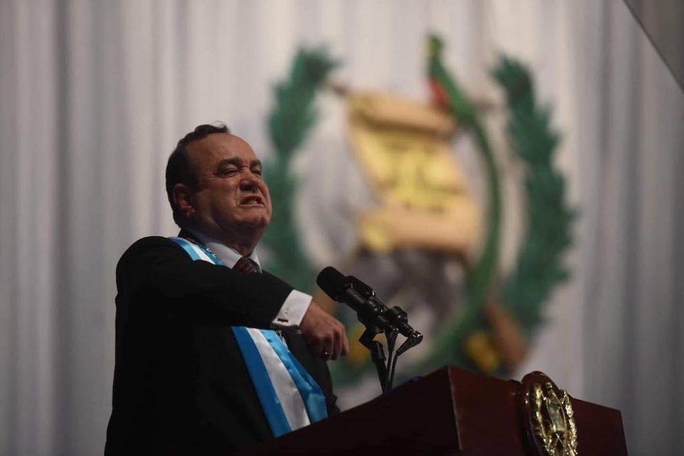 Alejandro Giammattei toma posesión como presidente de Guatemala.