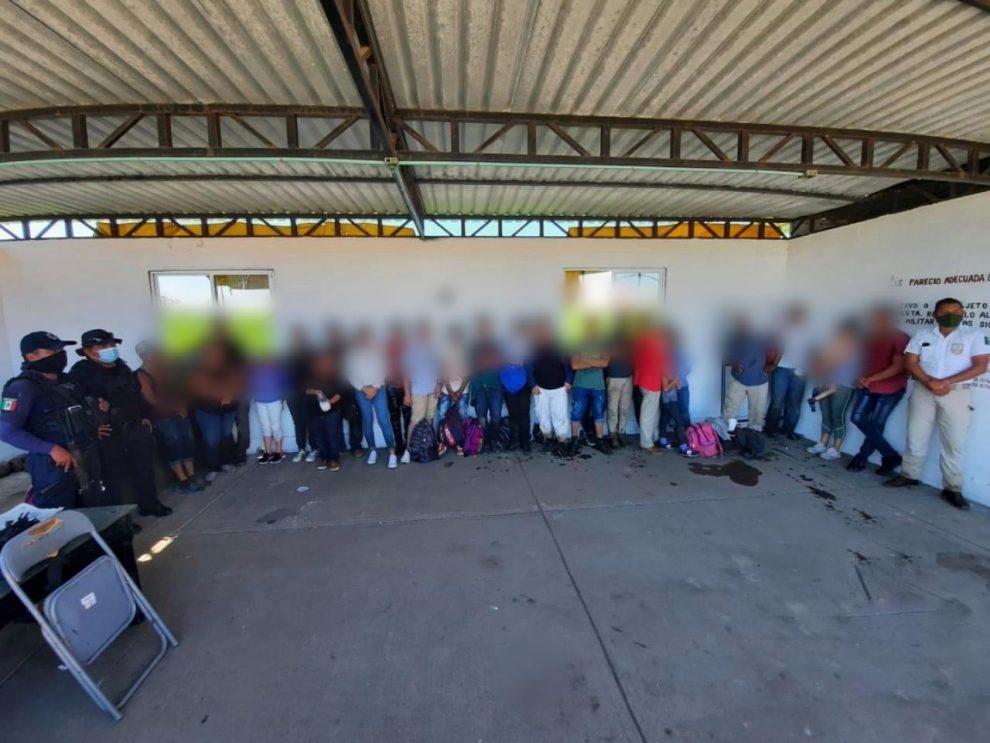 Rescatan a migrantes en México.