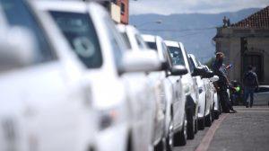 caravana de taxistas en la capital