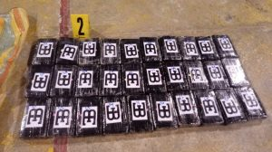 Localizan 142 kilos de cocaína en aeronave en Petén