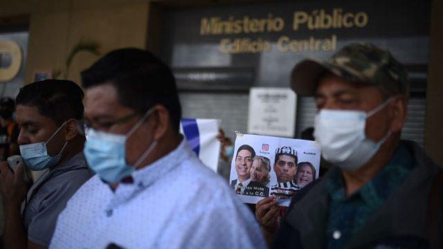 Presentan denuncia contra abogado Mynor Moto