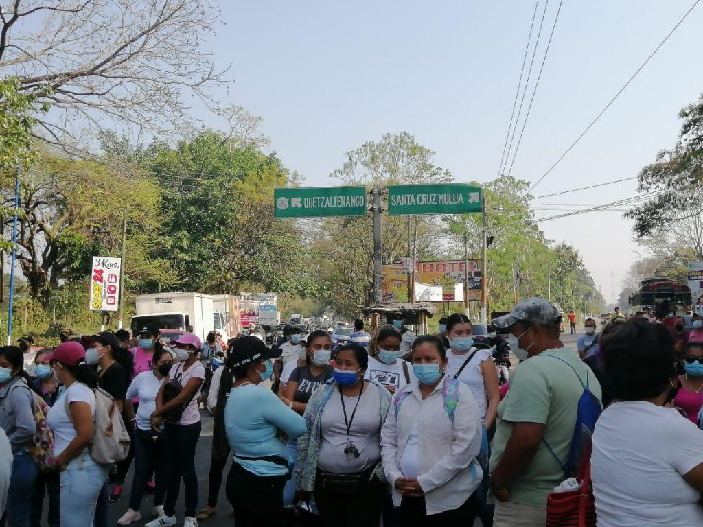 manifestación de maestros en Retalhuleu