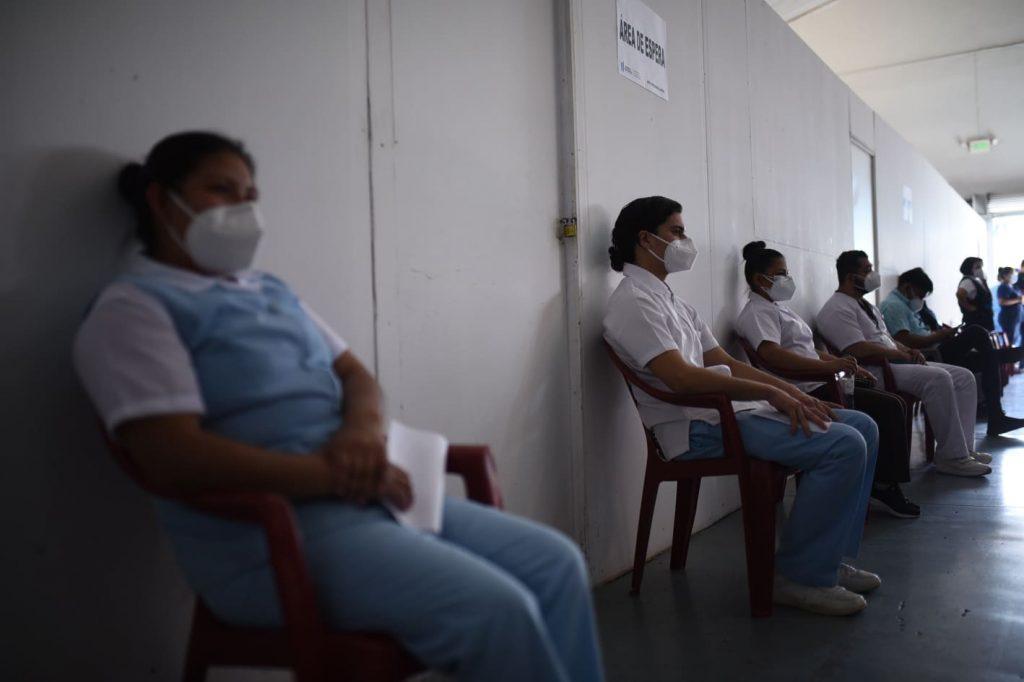 vacunación contra el Covid-19 en hospital temporal Parque de la Industria