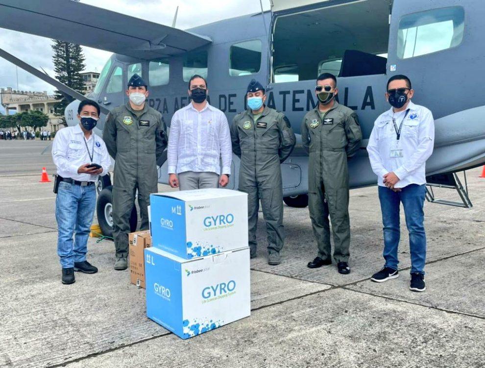 avioneta del Ejército traslada vacunas contra Covid-19