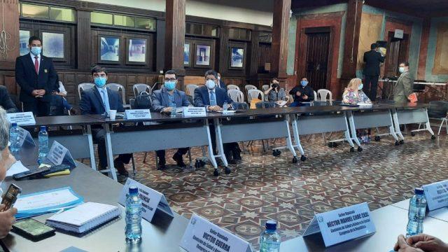 Diputados de la Comisión de Salud del Congreso de la República se reunieron con representantes de la empresa Kron Científica e Industrial, S. A.