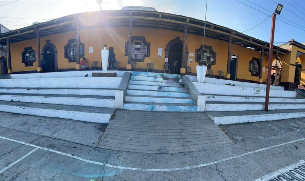 FECI realiza allanamientos en municipalidades de Sololá y Chuarrancho