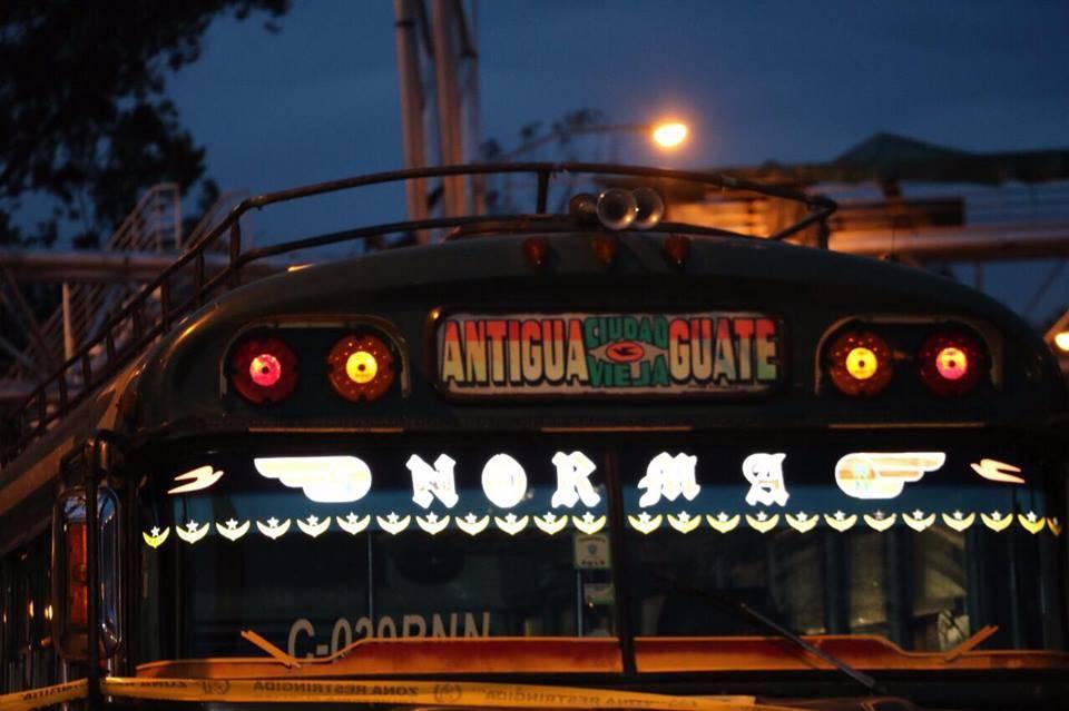 buses en Antigua Guatemala