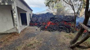 Flujo de lava del Pacaya alcanza vivienda en El Patrocinio