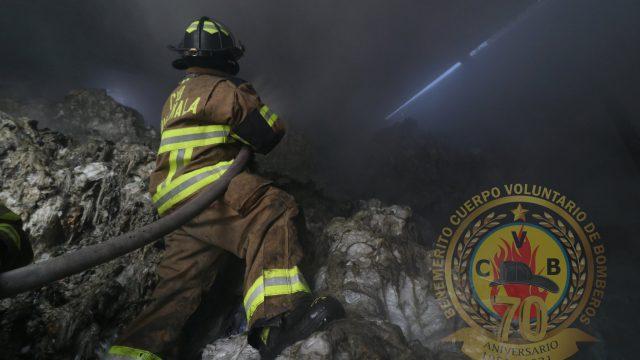 incendio en bodega de plásticos en zona 21