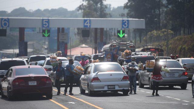 peaje de la autopista Palín-Escuintla en Semana Santa 2021