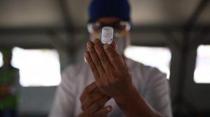 Vacunación a personal del Incan