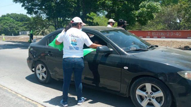 Trabajadores de la Municipalidad de Puerto San José, en Escuintla, brindaron apoyo a miles de visitantes.