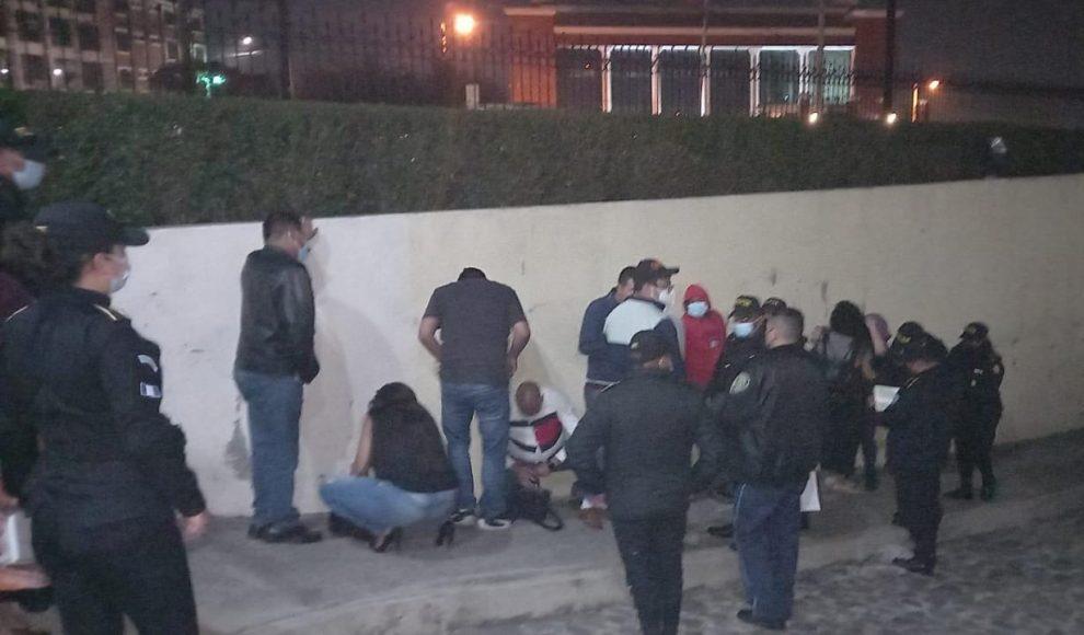 La PNC capturó a 140 personas en las últimas 24 horas. De esas, 83 incumplieron las medidas de seguridad contra el COVID-19.