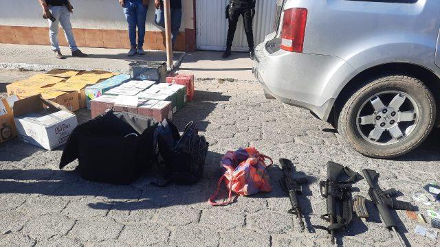 PNC decomisa armas de fuego, municiones y licores en El Progreso.