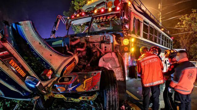 Bus de Transportes Orellana se accidenta en la ruta a La Antigua