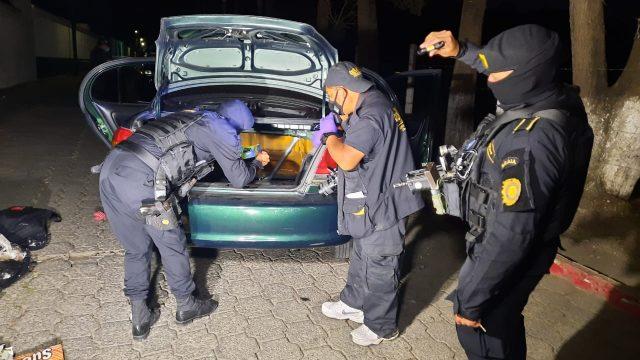 capturan a pareja con droga en San Lucas Sacatepéquez