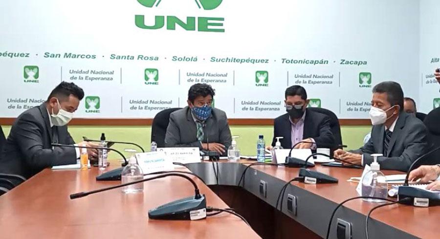 Citación de bancada UNE a autoridades del Ministerio de Energía y Minas