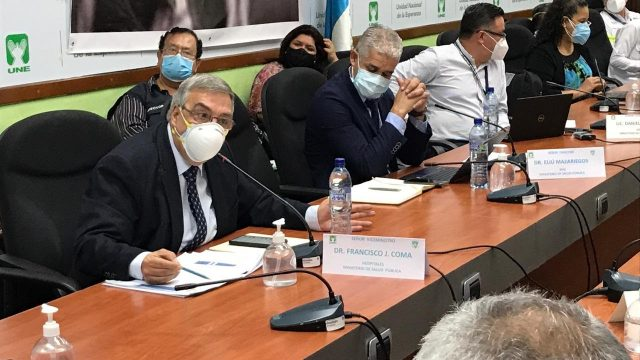 diputados de UNE denuncian anomalías en vacunación Covid-19