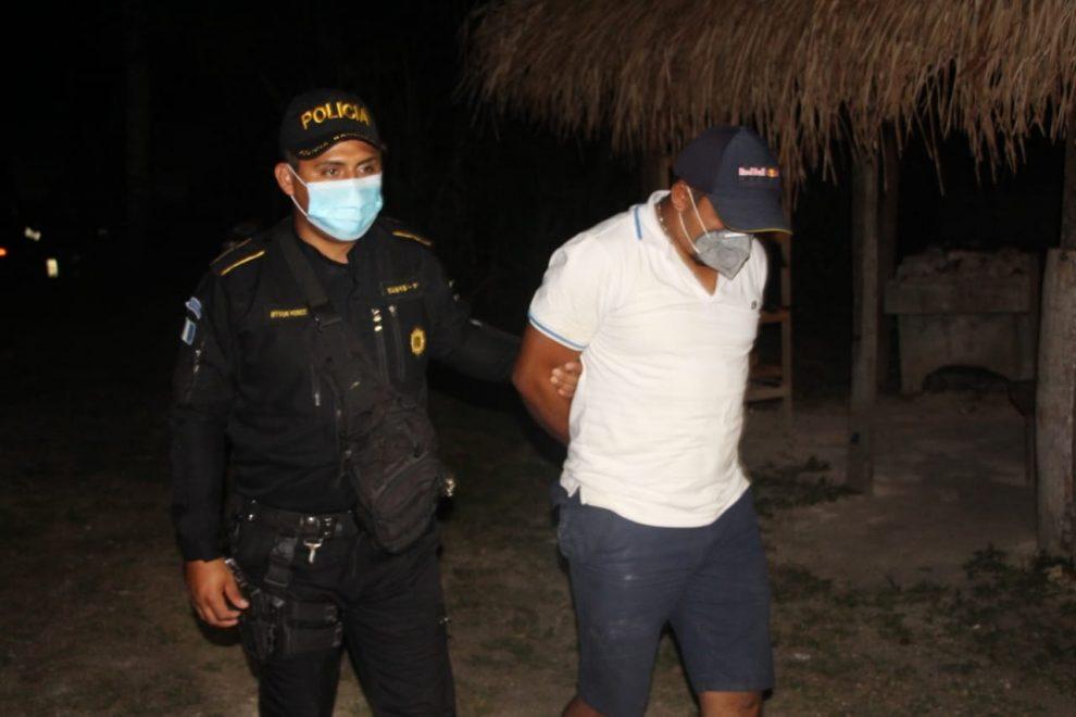 capturado por encadenar a su hermana en Petén