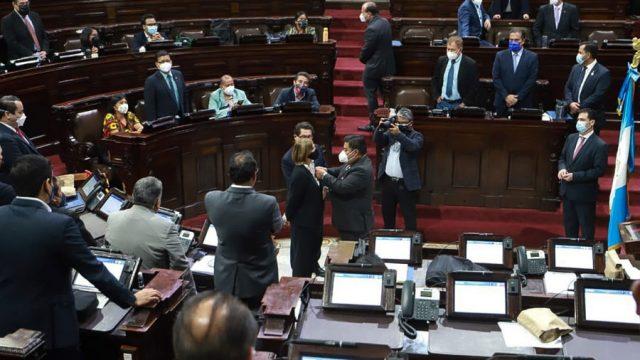 Lucrecia Marroquín de Palomo juramentada como segunda vicepresidente del Congreso