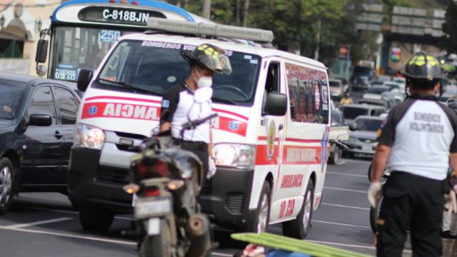 Motorista muere atropellado en zona 13