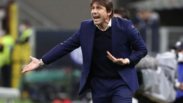 Antonio Conte deja de ser el entrenador del Inter