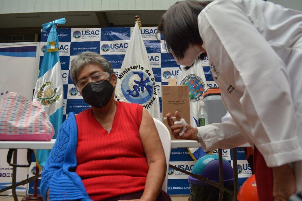 El Ministerio de Salud registra más de 191 mil vacunados contra el COVID-19.