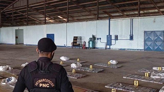 Decomisan 401 paquetes de cocaína en Petén