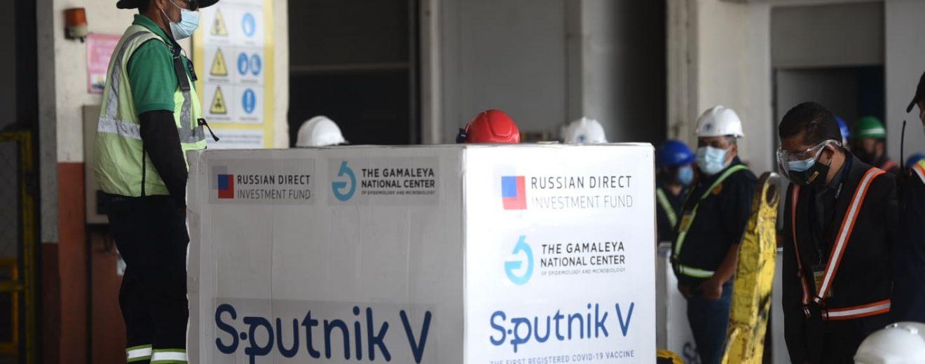 Guatemala recibe primer lote de vacunas Sputnik V